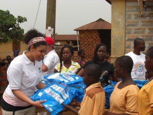 Jordin Sparks in Ghana giving out bed nets